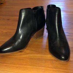 NWOT Sole Society Black Heeled Booties